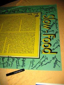 Esiste anche la firma della sottoscritta sul manifesto 20 anni di SlowFood. Foto Katrin Walter