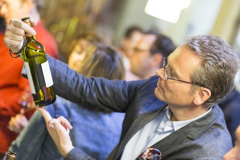 Wein-Plus guarda dietro l'etichetta e questo apprezzano gli user business e non. Buono per il tuo marketing del vino