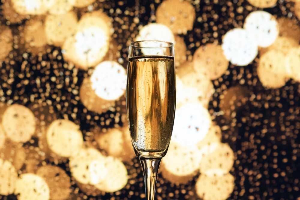 Nuovo anno - vecchio vino - bindare con un metodo classico maturato epr tanti anni sui lieviti e veramente festa - wein.plus