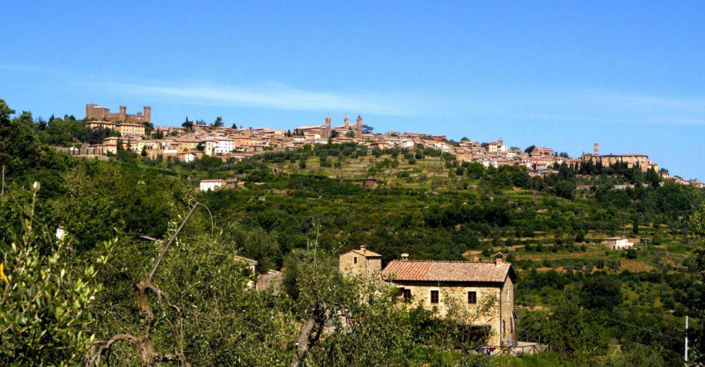 Il Panorama di Montalcino. Foto: Consorzio del Vino Brunello di Montalcino come illustrazione per l'artciolo sulla degustazione speciale di Wein-Plus