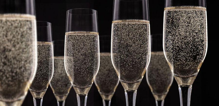 spumante - sparkling wine - bollicine - la piattaforma del vino wein.plus cnosce i migliori d'Europa