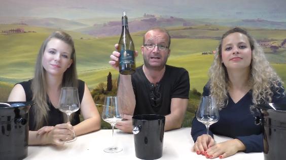 Il team di degustatori di Wein-Plus presentanto i loro vini preferiti per il pachetto di degustayione di Wein-Plus