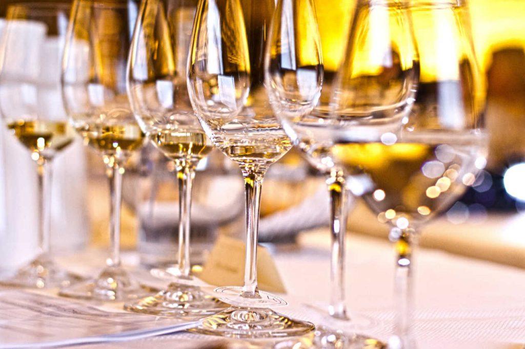 I bicchieri di degustazione. Articolo Wein-Plus Italia: Focus Italia 2018