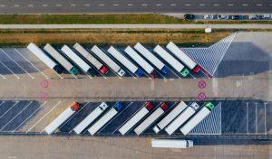 Logistica del vino con i camion sulla autostrada - servizio esclusivi per i Business Premium Member di wein.plus