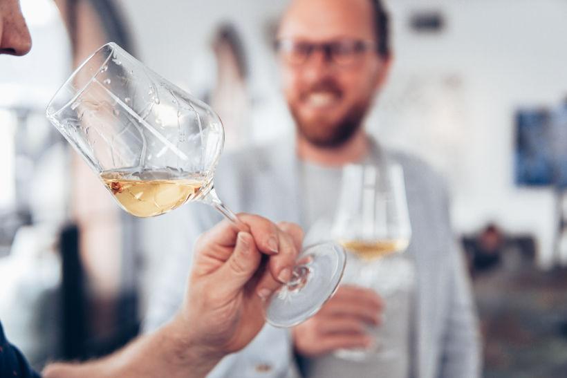 wine espertise per eccellenza trovi presso il portale wein.plus e i suoi collaboratori esperti